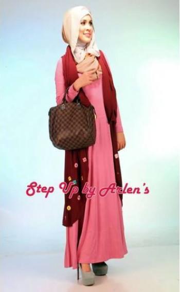 Su Novriza Rompi Marun Baju Muslim Gamis Modern
