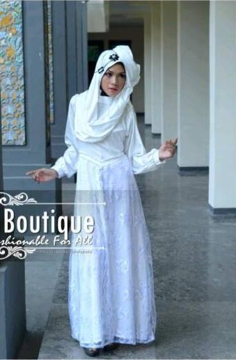 Syakira by fakhriya boutique  Putih Tulang