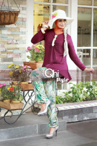 busana muslim elegant Pusat-Gamis-terbaru-geulis-by Qhi-Style-maroon