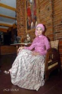 gaun muslim gamis Pusa-Gamis-Terbaru-Naura-Fikri-Pink