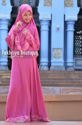 baju wanita muslimah terbaru Pusat-Gamis-terbaru-New-Aulia-by-Fakhriya-Boutique-Pink