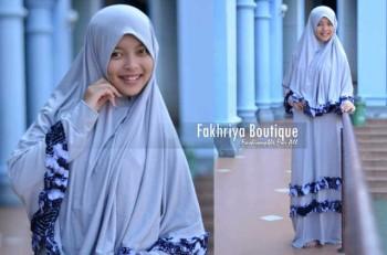 busana hijab modis Zahwa by Fakhriya Boutique Grey
