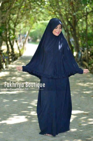 baju gamis pesta modern Pusat-Gamis-Terbaru-Muzdalifah-by-Fakhriya-Boutique-Navy