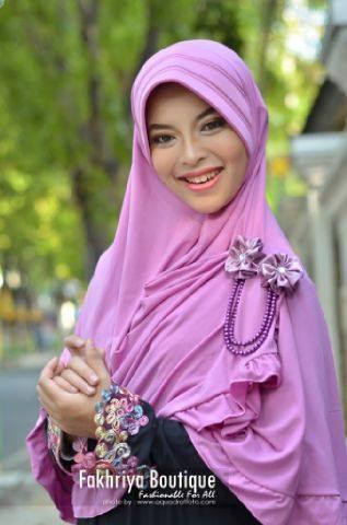model baju pesta jilbab Pusat-Gamis-Terbaru-Bergo-Fakhriya-Baby-Pink