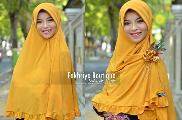 baju pesta yang elegan Pusat-Gamis-Terbaru-Bergo-Fakhriya-Golden