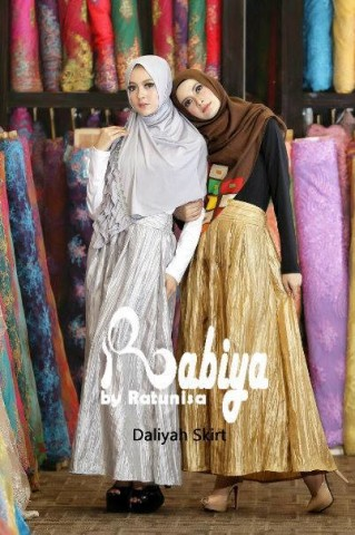 baju pesta wanita muslimah pusat-Gamis-Terbaru-Daliyah-Skirt-dress-Silver-Gold