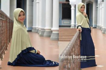 Trend Busana Muslim Syar'i Wanita Amanah Dress Syar'i by Fakhriya Hijau Melon - Navy