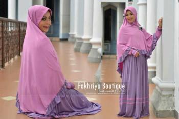 Trend Busana Muslim Syar'i Wanita Amanah Dress Syar'i by Fakhriya Ungu Muda - Ungu