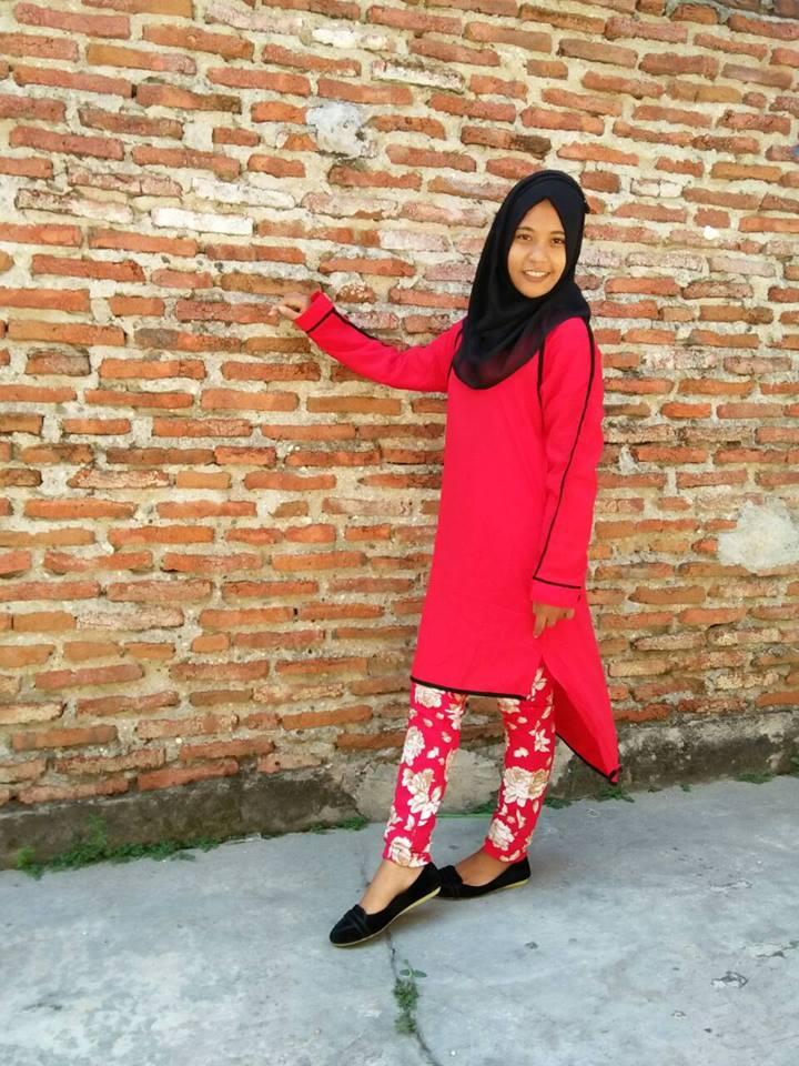 Violeta Merah Baju Muslim Gamis Modern