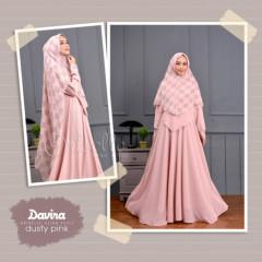 Davina Pink