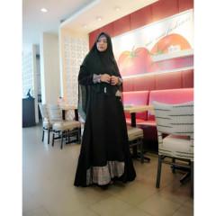 Seenthia Black