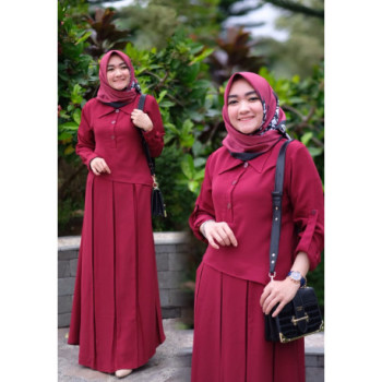 Naura Dress Maroon
