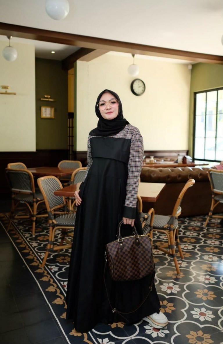 Ananda Dress Warna Black
