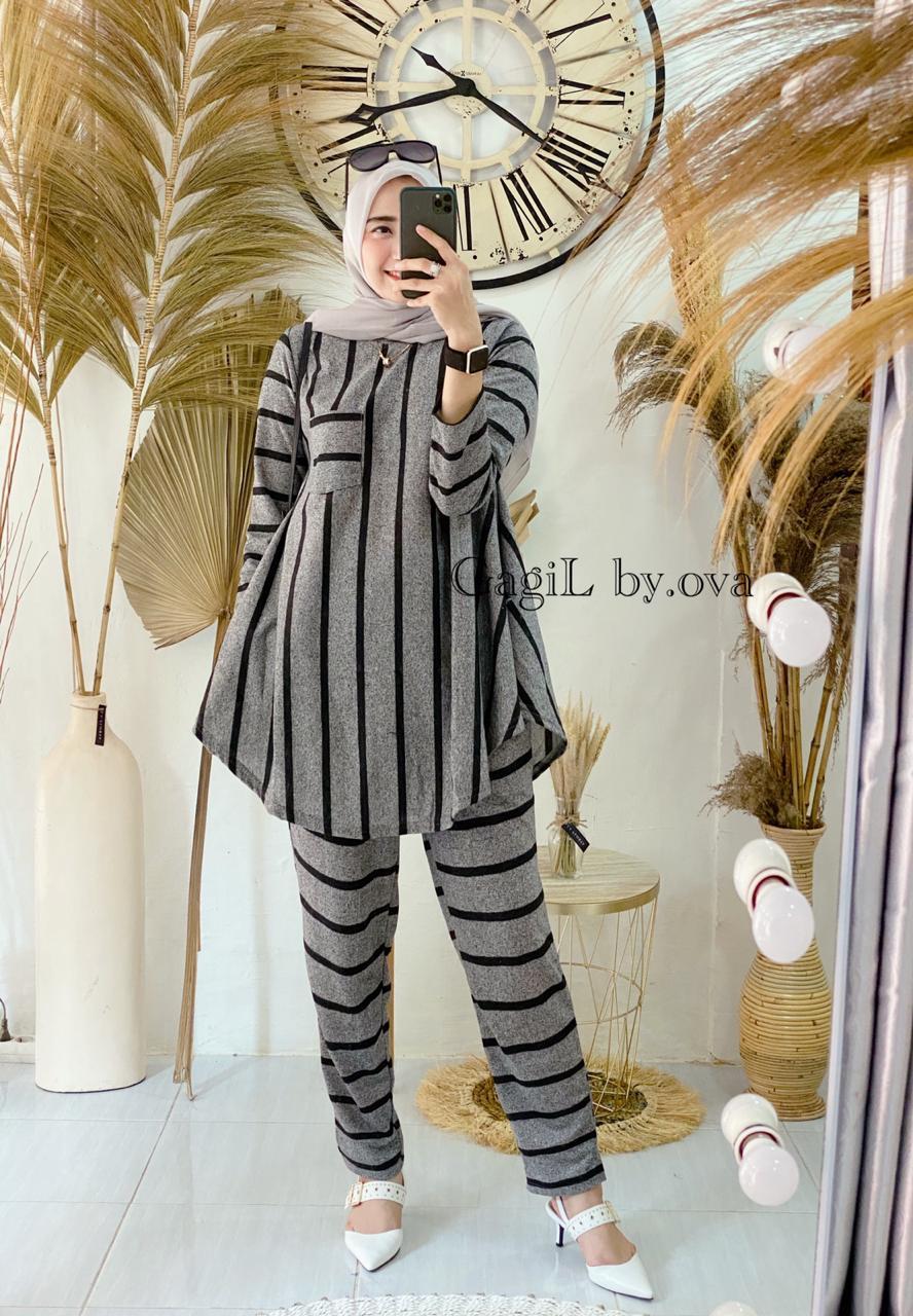 Maleeka Set Warna Grey